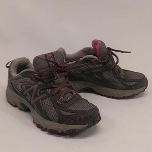 New Balance 411 All Terrain Grey & Pink Shoes Sz 5